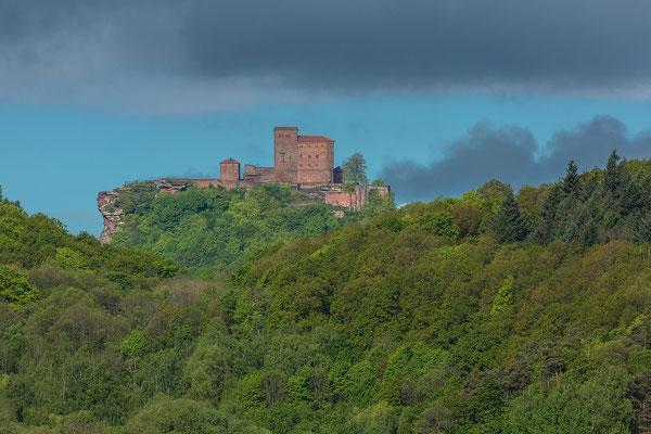 Burg Trifels von Ranschbach aus gesehen