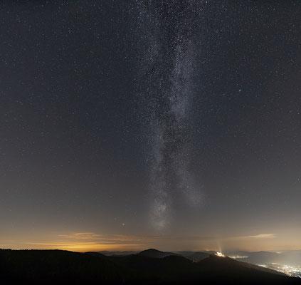 Milchstraße über dem Trifels