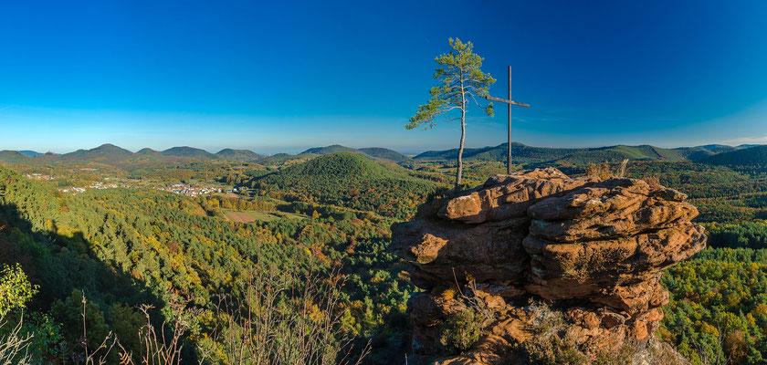 Rötzenfels, Panoramaaufnahme, 20 x 42 cm, Aluminiumrahmung, Kodak Pro Endura Fotopapier, 59 €
