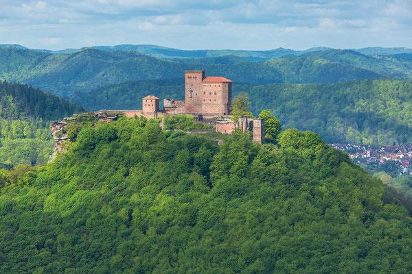 Blick auf die Burg Trifels