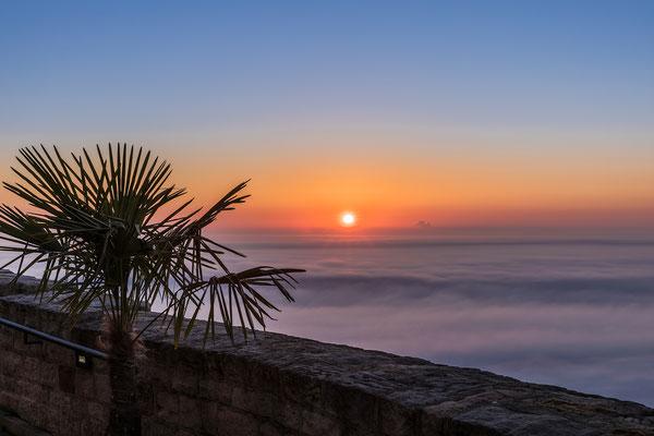 Sonnenaufgang am Hambacher Schloss