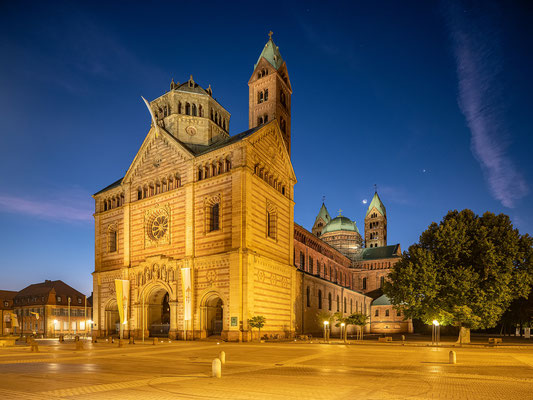 Blaue Stunde am Speyerer Dom