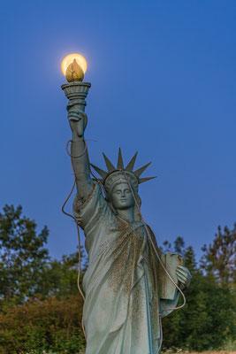 Vollmond bei Miss Liberty
