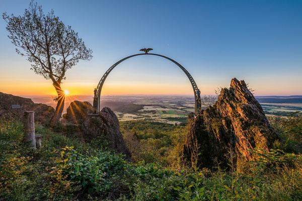 Sonnenaufgang am Adlerbogen, 60 x 40 cm, Alu-Dibond, Rückseitige Hängung mit Auminiumschiene, 100 €