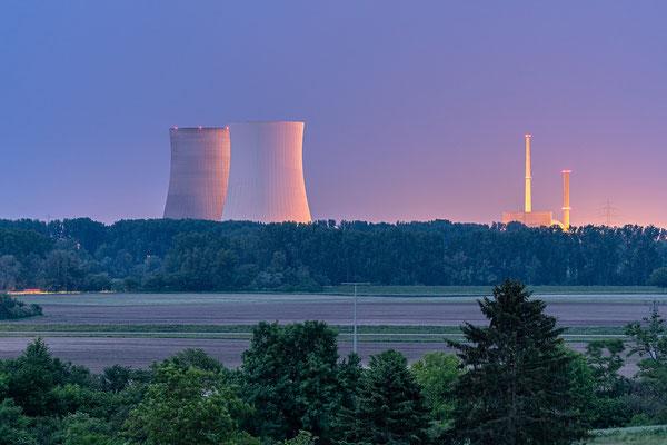 Kurz vor der Sprengung: die letzten Minuten der Kühltürme des Kernkraftwerks Philippsburg