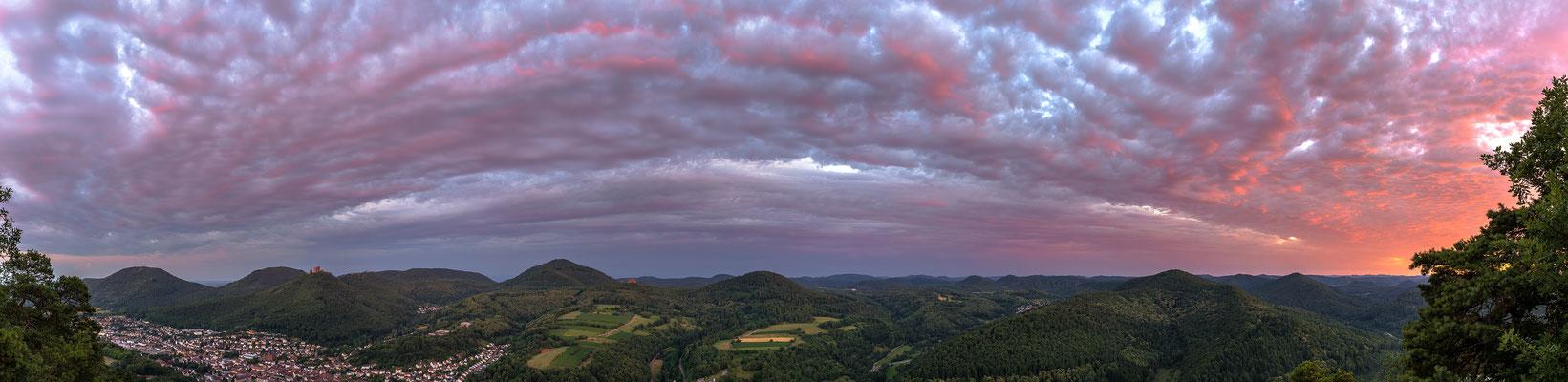 Sonnenuntergang am Sommerfels