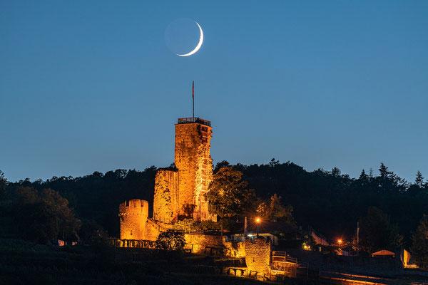 Monduntergang hinter der Wachtenburg