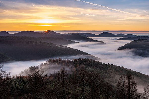 Morgennebel am Kirschfelsen