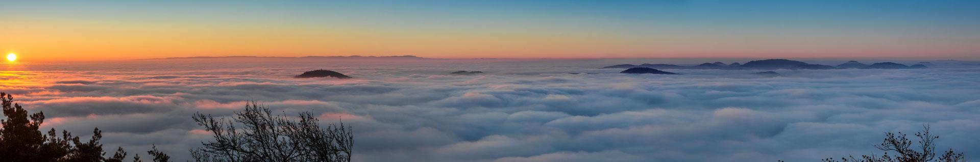 Winterlicher Sonnenaufgang am Rehbergturm