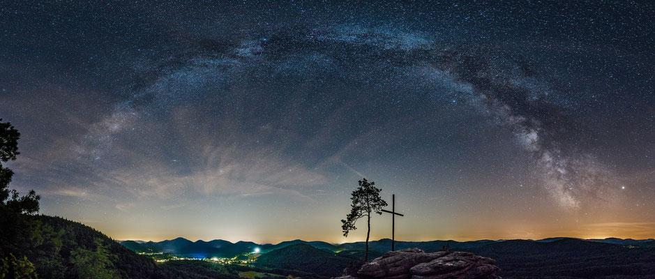 Milchstraße über dem Rötzenfelsen