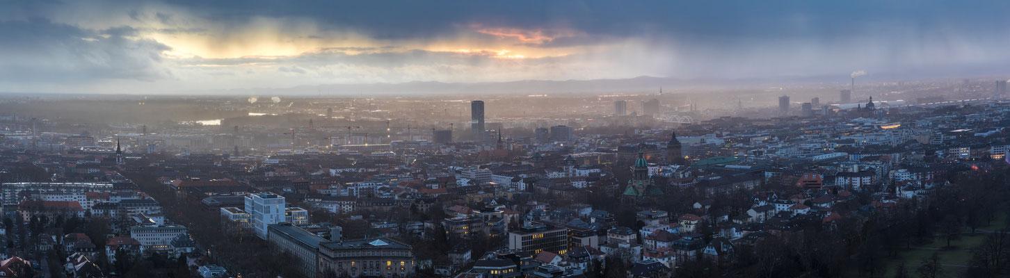 Blick auf Mannheim und Ludwigshafen vom Fernsehturm