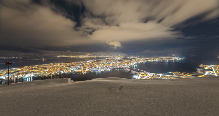 Blick vom Fjellheisen auf Tromsö