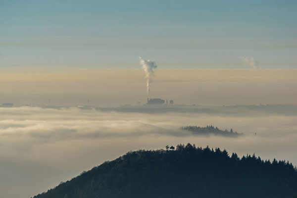 Blick über den Nebel nach Pirmasens