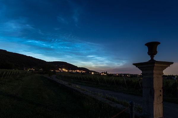 Seltenes Phänomen: leuchtende Nachtwolken über Neustadt