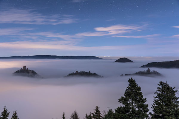 Nebelmeer im Mondlicht am Rehbergturm