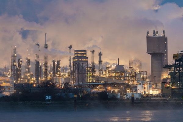 Kalte Winternacht an der BASF
