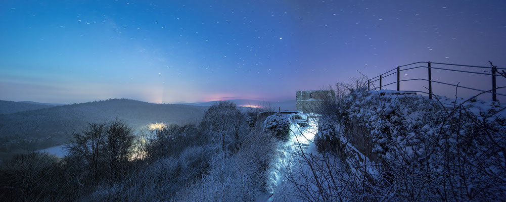 Winternacht auf der Ruine Lindelbrunn