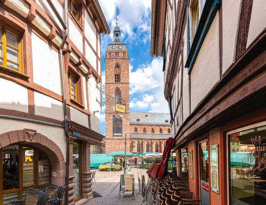 Metzgergasse mit Blick auf die Stiftskirche