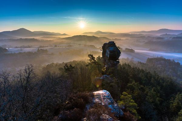 Winterlicher Sonnenaufgang an den Geiersteinen