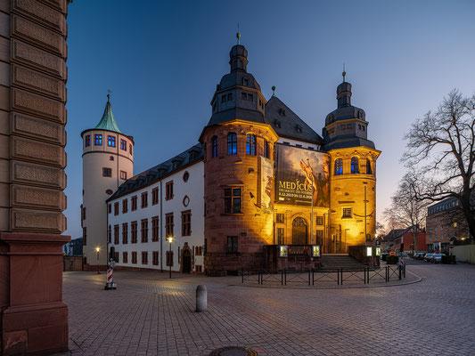 Blaue Stunde am Historischen Museum der Pfalz