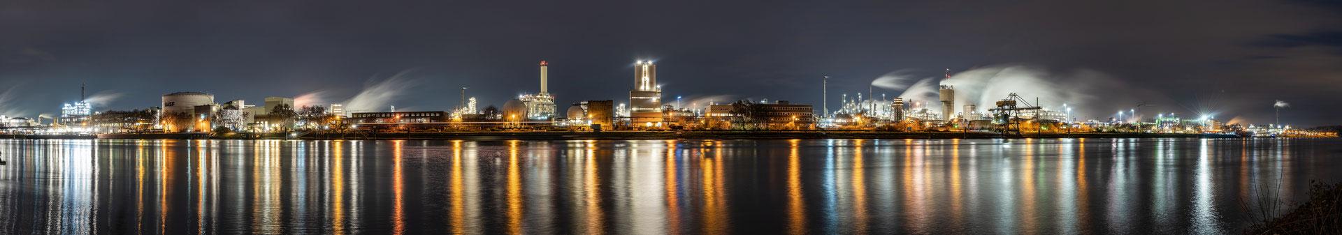 Winternacht bei der BASF