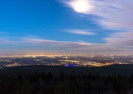 Mondlicht über der Rheinebene