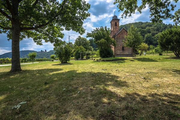 Nikolauskapelle und Burg Landeck bei Klingenmünster