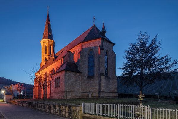 """Katholische Kirche in Birkweiler während der """"Rosa Wochen"""""""