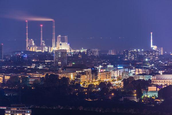Dampfkraftwerk Karlsruhe in der Nacht