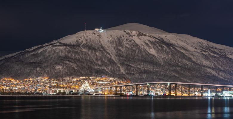 Blick von Tromsö hoch zum Fjellheisen