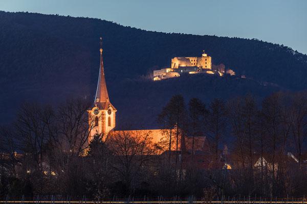 Maikammerer Kirche und Hambacher Schloss in der Blauen Stunde