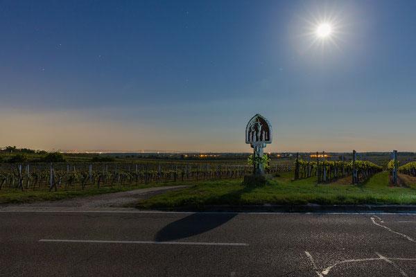 """""""Schwarzes Kreuz"""" bei Freinsheim im Vollmondlicht"""