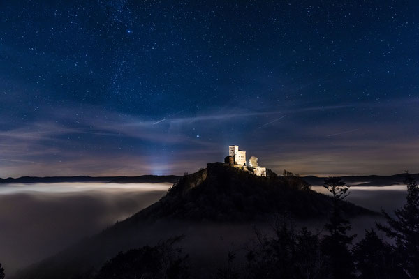 Winternacht am Trifels
