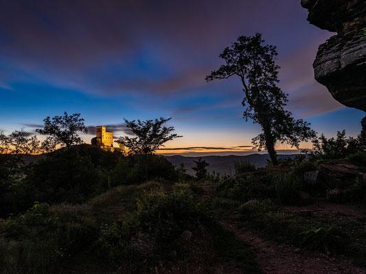 Sommernacht an der Ruine Anebos