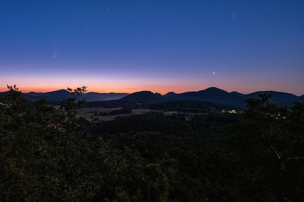Komet Neowise über dem Pfälzerwald