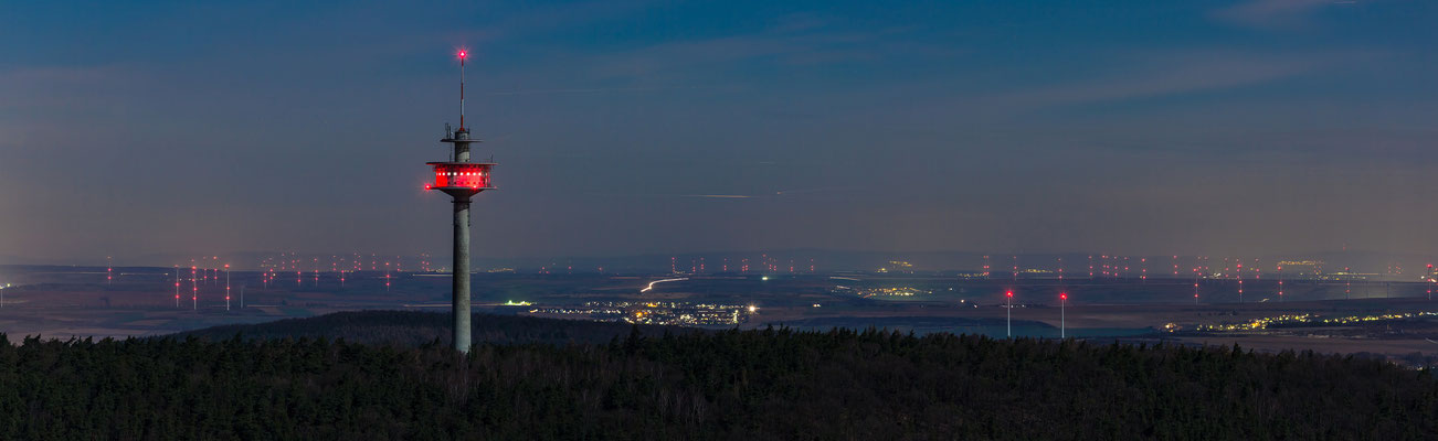 Blick nach Norden über Rheinhessen und Taunus