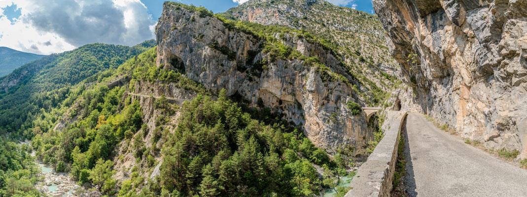 Bergstraßen bei Aiglun