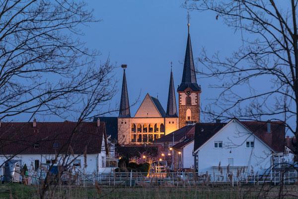 Geinsheimer Kirche im Abendlicht