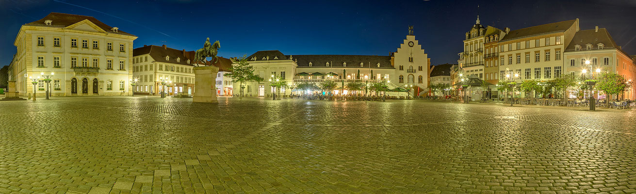 Rathausplatz in Landau