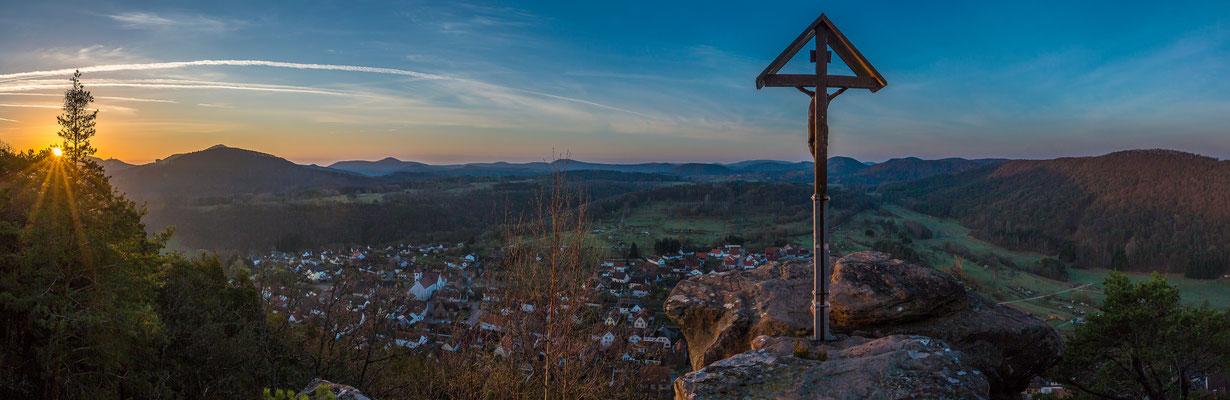 Blick vom Wachtfelsen kurz nach Sonnenaufgang