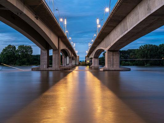 Abends am Rhein in Worms