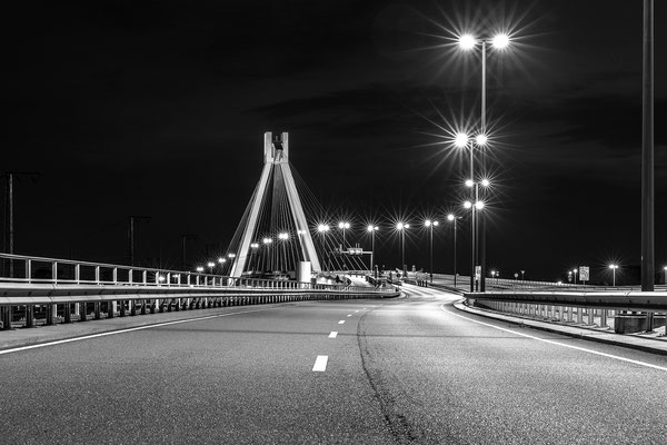 Pylonbrücke bei Ludwigshafen bei Nacht
