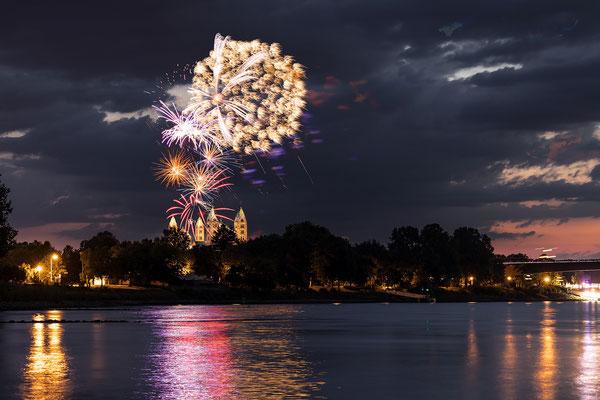 Abschlußfeuerwerk zum Bretzelfest