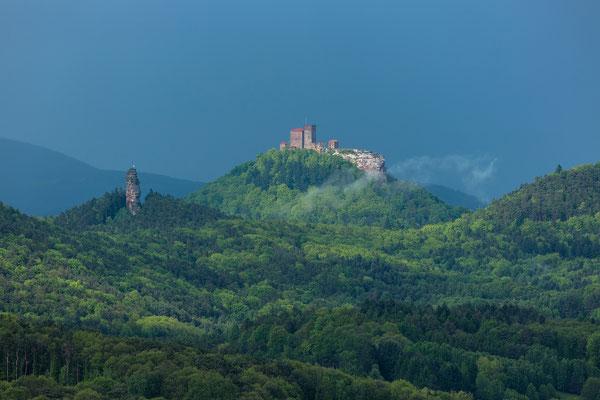 Burg Trifels nach einem Gewitter