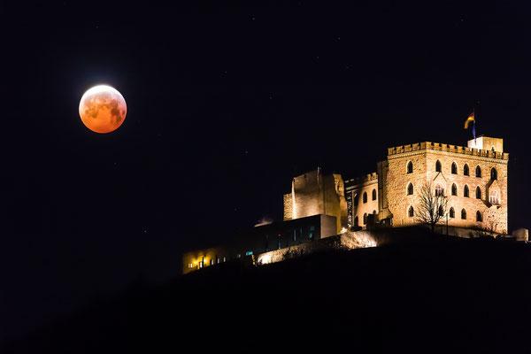 Mondfinsternis am Hambacher Schloss