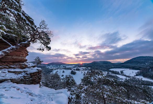 Wintermorgen auf dem Dickenbergturm/Sprinzelfelsen