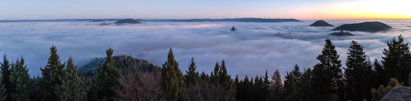Wunderbare Nebelstimmung am Rehbergturm