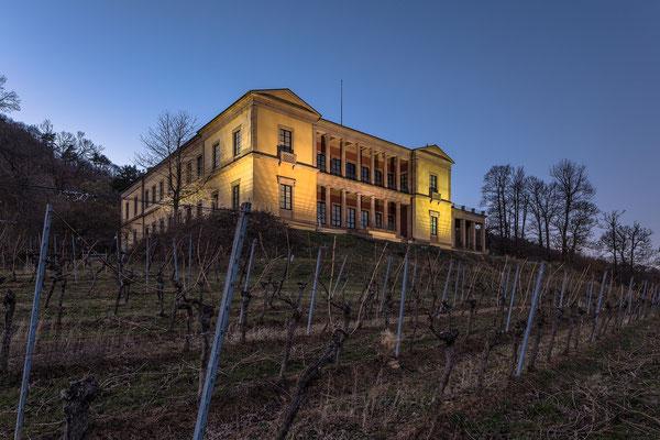 Villa Ludwigshöhe im Abendlicht
