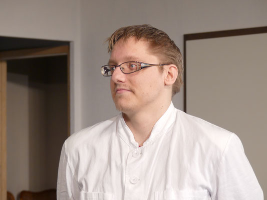 Dr. Lyman Sanderson (Patrick Pöhls).