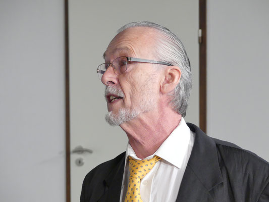 Den Anwalt Omar Gaffney verkörpert Jochen Holstein.